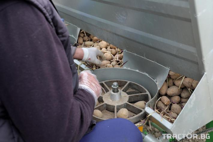 Машини за зеленчуци Двуредов картофосадач с торовнасяне за рътен картоф 5 - Трактор БГ