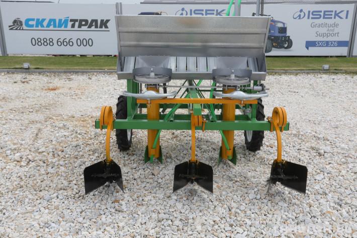Машини за зеленчуци Двуредов картофосадач с торовнасяне за рътен картоф 0 - Трактор БГ